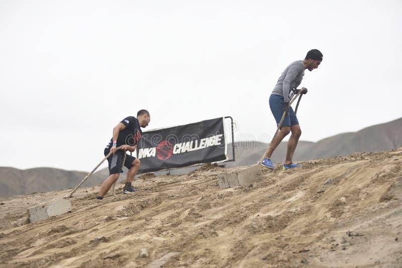 Inka Challenge, um obstáculo extremo reawakened em uma praia ao sul de Lima foto de stock royalty free