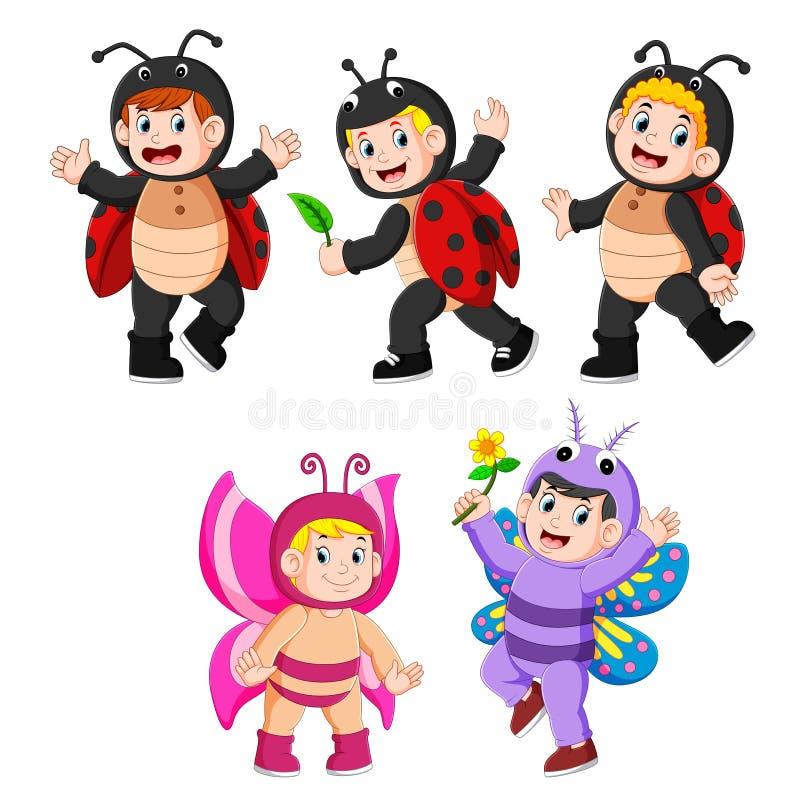 Inkasowi dzieci jest ubranym motyla i biedronki kostiumy ilustracja wektor