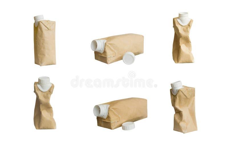 Inkasowy Brown mleka karton jest miie odosobnionego fotografia royalty free