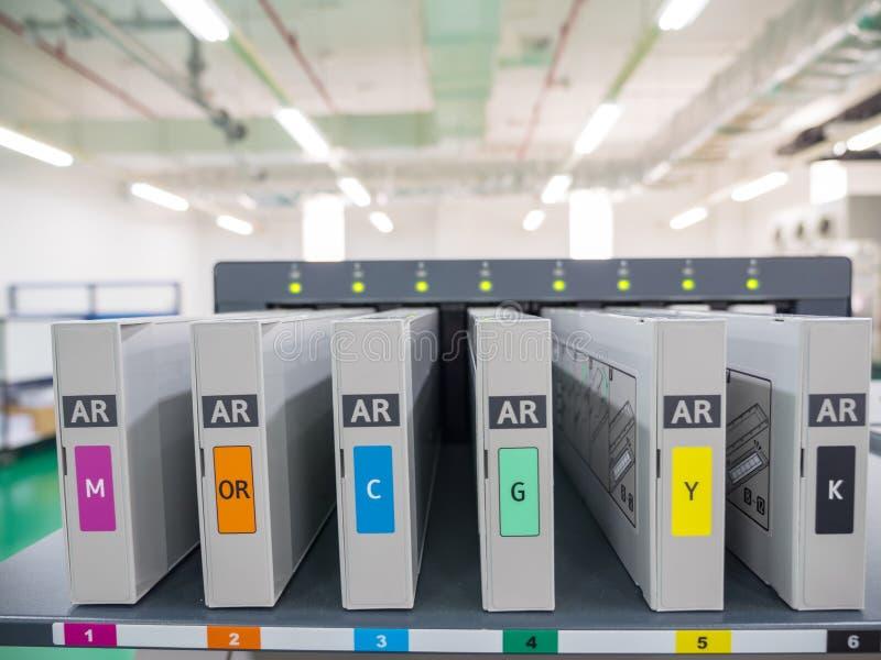 Inkjet-palet voor digitale drukmachine Bevat palet stock afbeelding