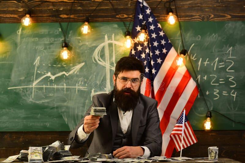 Inkomen planning van het beleid van de begrotingsverhoging Economie en financiën Patriottisme en vrijheid Amerikaanse onderwijshe stock afbeelding