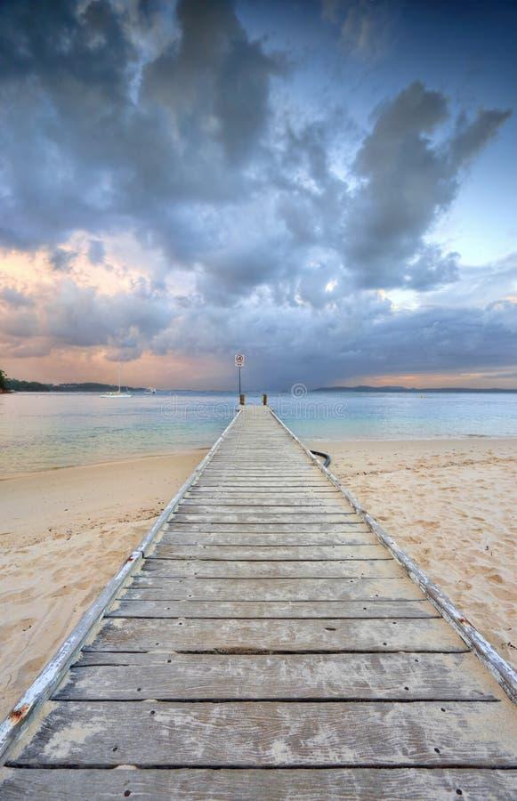 Inkomend onweer bij zonsondergang royalty-vrije stock foto