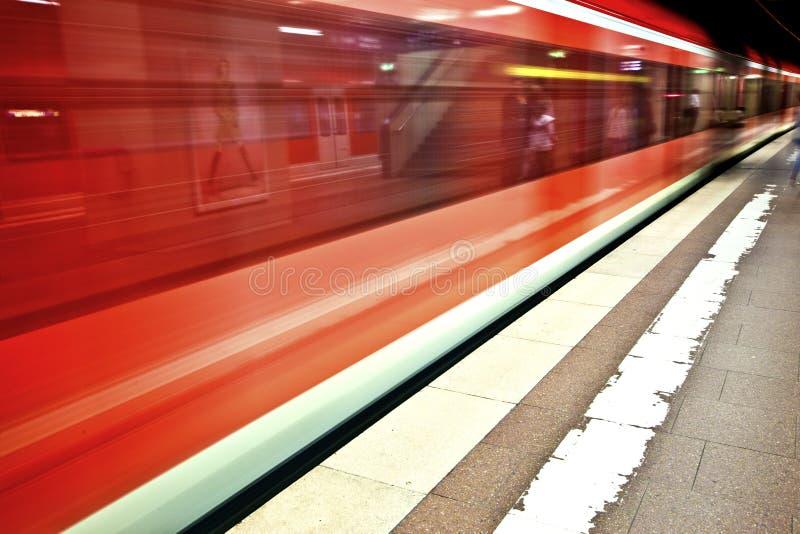 Inkomende trein stock foto's