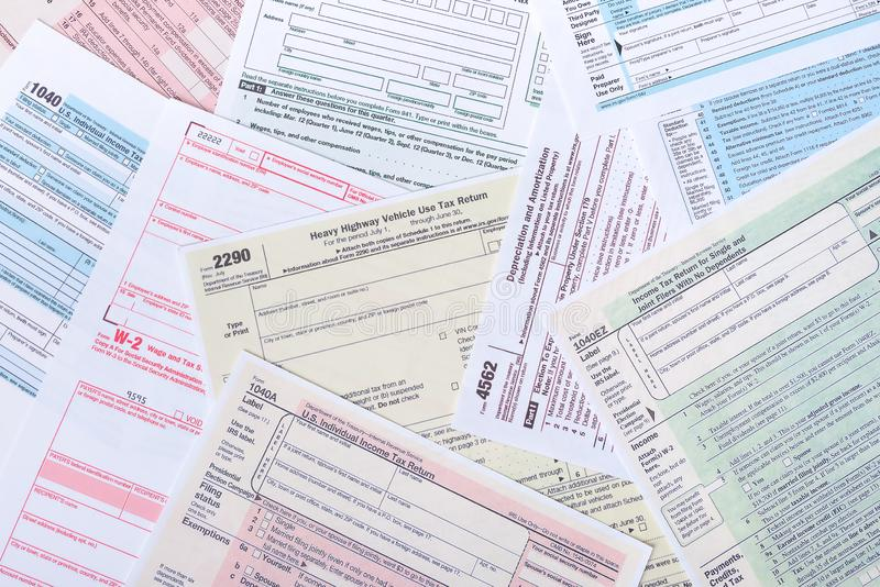 Inkomstenbelastingsvormen royalty-vrije stock afbeelding
