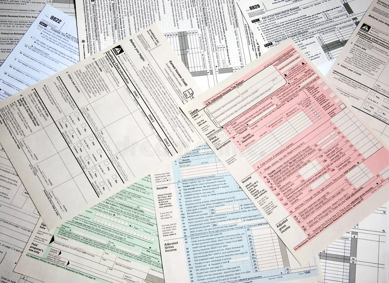 Inkomstenbelastingsvormen royalty-vrije stock fotografie