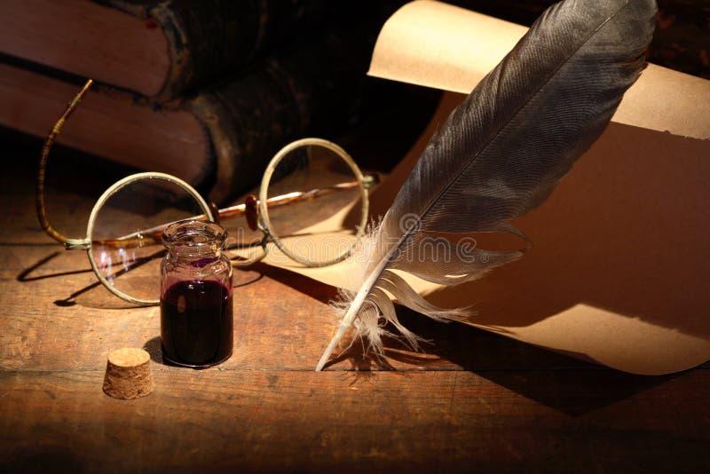 Inkpot e penna fotografia stock libera da diritti