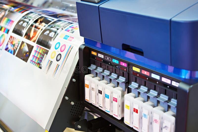 Inktpatronen en plotter stock afbeeldingen