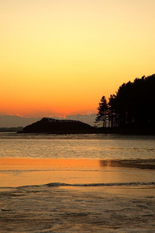 inland över havssoluppgång royaltyfri foto