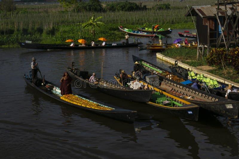 Inle湖的小游艇船坞在缅甸 库存照片