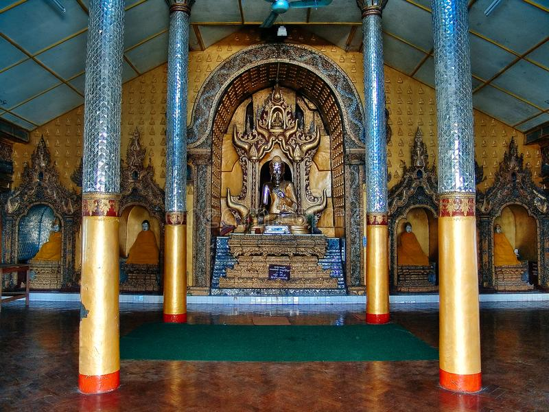 Inle sjö - huvudsaklig Paya tempel, Burma Malaysia arkivbild