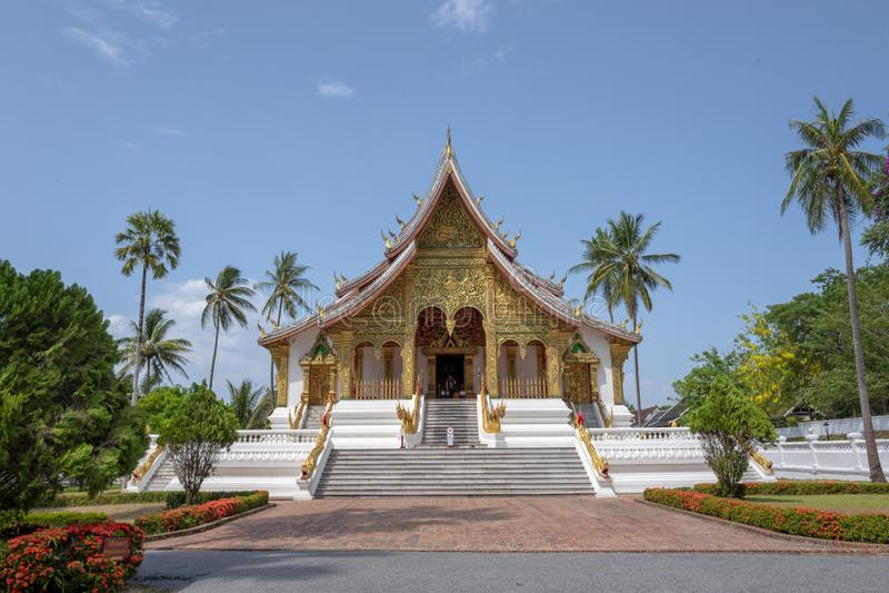 Inluang Prabang do templo do golpe de Pha do espinho fotos de stock