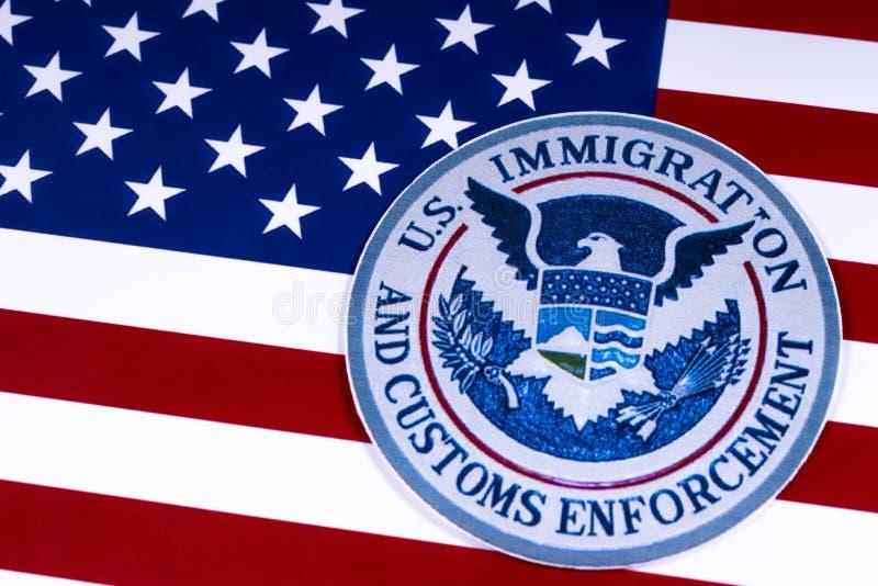 Inmigración de los E.E.U.U. y aplicación de las aduanas fotos de archivo