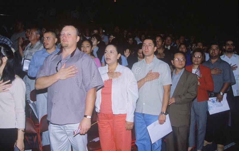 Inmigrantes que toman el compromiso de la lealtad, Los Ángeles, California imagen de archivo