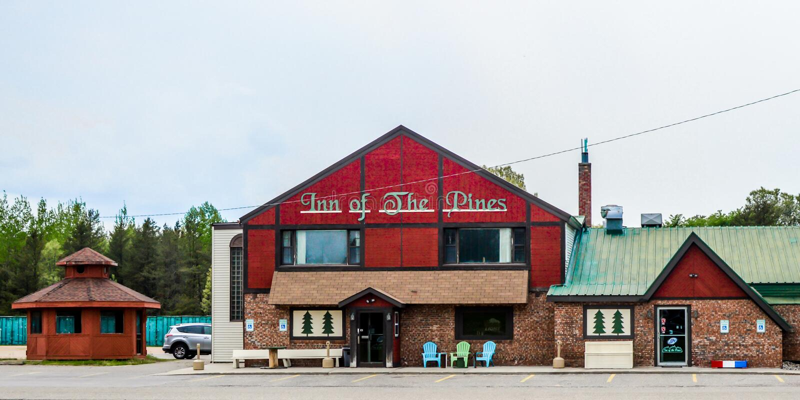 Inn of the Pines - Friendship, Wisconsin imagem de stock royalty free