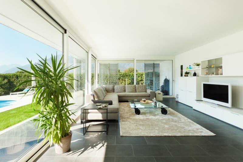 Innen-, schönes Wohnzimmer stockbild. Bild von inside - 34595037