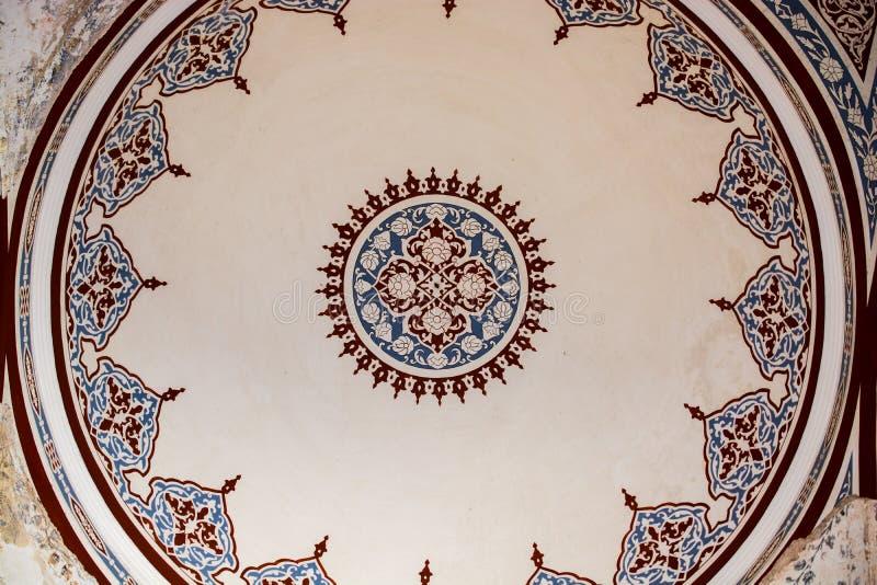 Innenansicht der Haube in der Osmanearchitektur stockfotografie