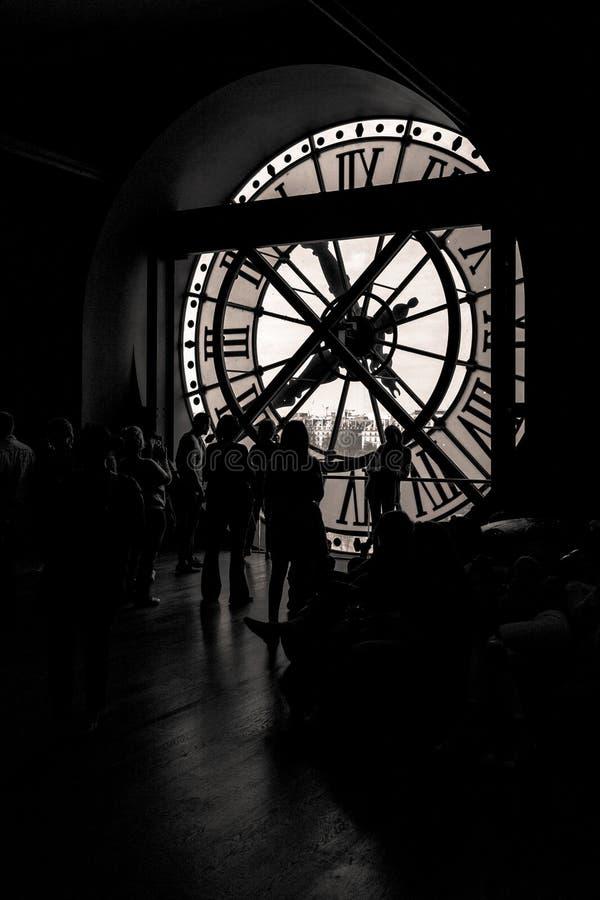 Innenansicht der Uhr Orsay-Museums in Paris stockfotografie