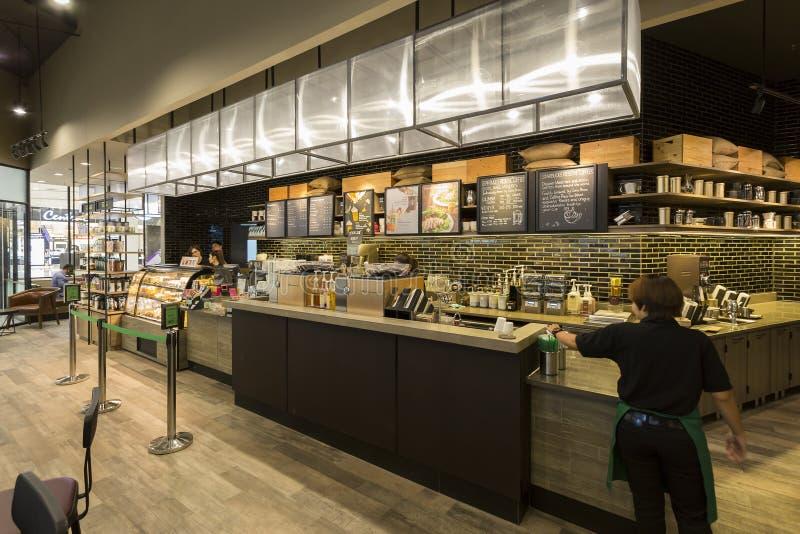 Innenansicht von STARBUCKS-Café bei zentralem Westgest am 10. September, 2 lizenzfreie stockfotografie