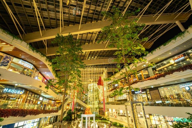 Innenausstattung im Weihnachts- und guten Rutsch ins Neue Jahr-Thema im Einkaufszentrum in Thailand Mega- Bangna-Einkaufszentrum, lizenzfreie stockfotografie