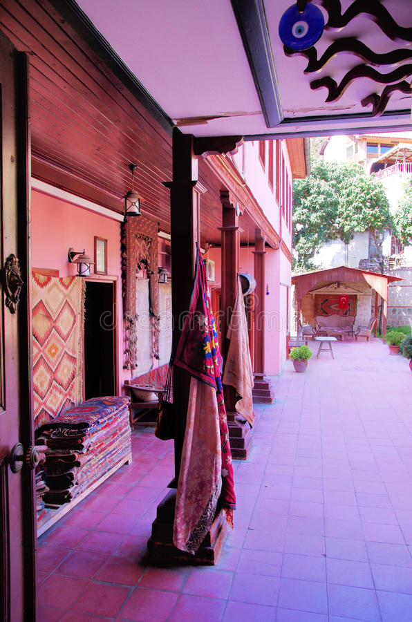 Innenhof in Antalya lizenzfreies stockbild