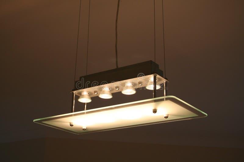 Download Innenküche-Leuchte stockfoto. Bild von farbton, glas, haupt - 826322