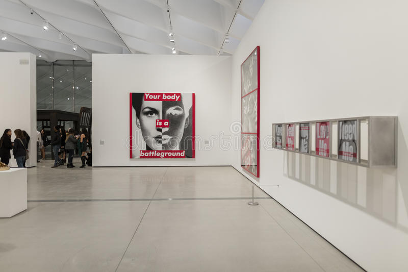 Innenraum breiten zeitgenössischen Art Museums lizenzfreie stockfotografie