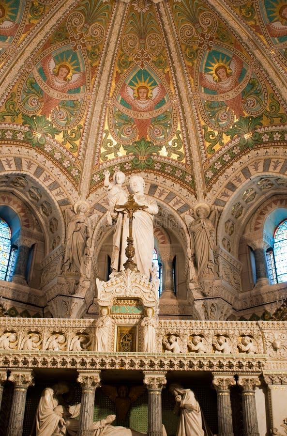 Innenraum der Basilika Notre Dame de Fourviere lizenzfreie stockbilder