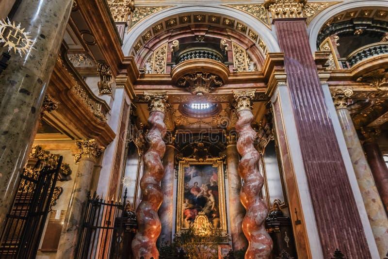 Innenraum der Jesuit-Kirchen-alias Hochschulkirche lizenzfreie stockbilder