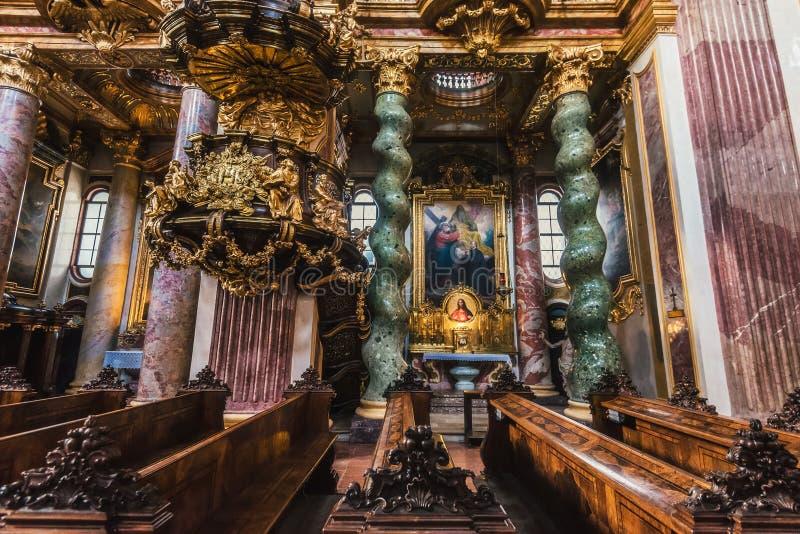 Innenraum der Jesuit-Kirchen-alias Hochschulkirche stockfotografie