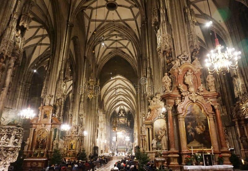 Innenraum der Kathedrale von St Stephen in Wien lizenzfreie stockbilder