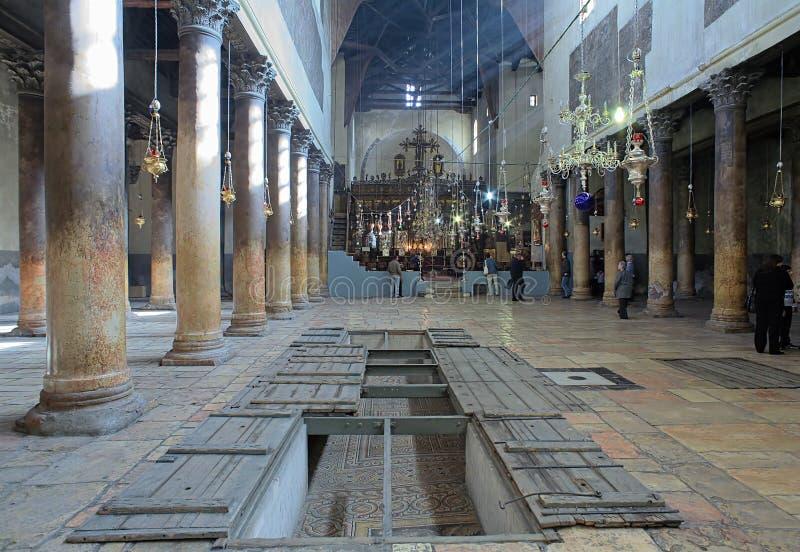 Innenraum der Kirche der Geburt Christi in Bethlehem lizenzfreie stockfotografie