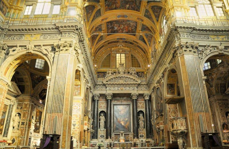 Innenraum der Kirche in Italien in Ligurien stockbilder