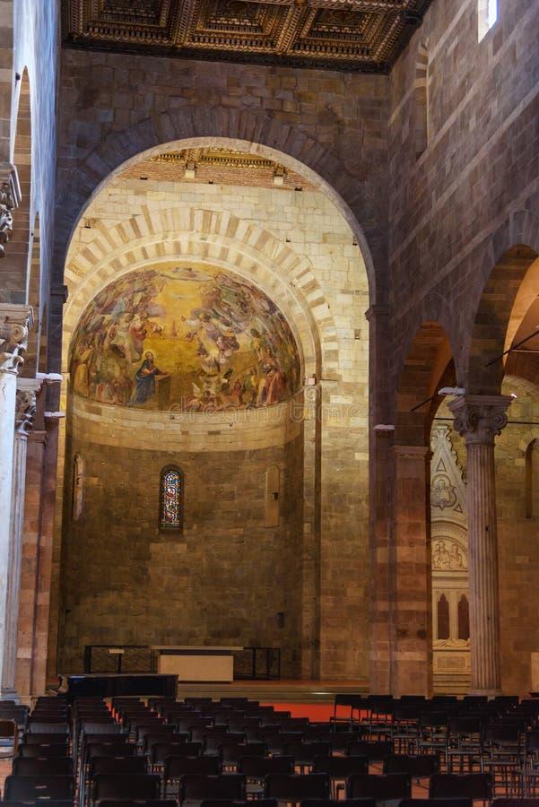 Innenraum der Kirche von San Giovanni e Reparata in Lucca Italien stockfotografie