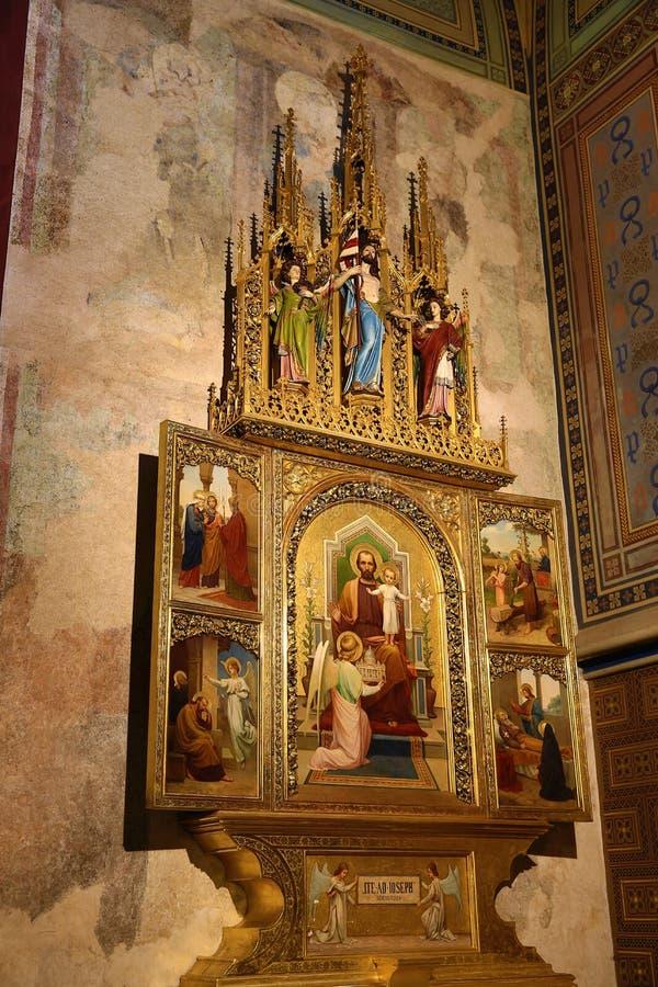 Innenraum der Kirche von St Peter und von Paul an VyÅ-¡ ehrad, Prag, Tschechische Republik lizenzfreies stockfoto