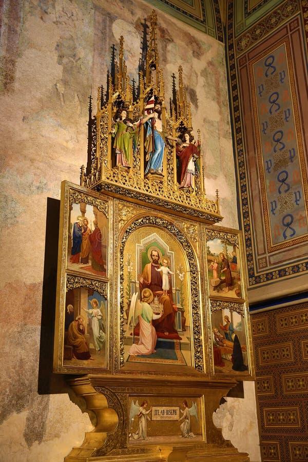 Innenraum der Kirche von St Peter und von Paul an VyÅ-¡ ehrad, Prag, Tschechische Republik stockfotografie