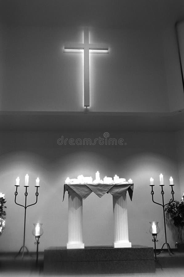 Innenraum der Kirche vor Hochzeit stockfotos