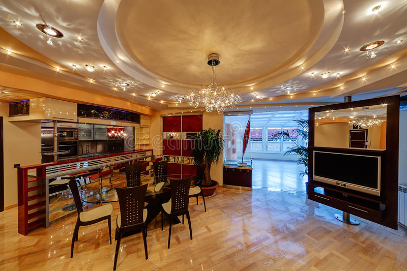 Innenraum der modernen Wohnung stockbilder