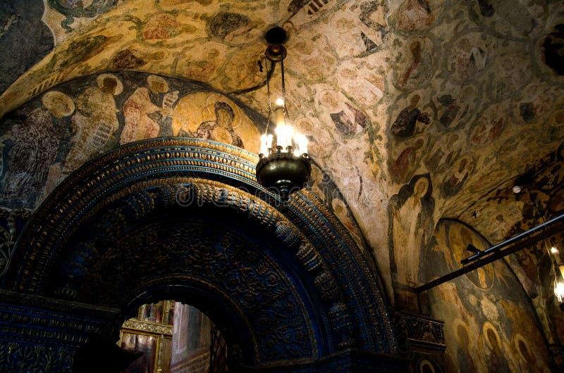 Innenraum der Russisch-Orthodoxer Kirche stockfotografie
