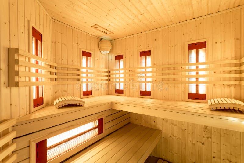 Innenraum der Sauna stockbild