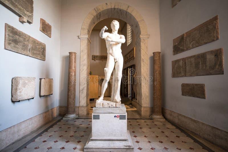 Innenraum der Vatikan-Museen stockbild