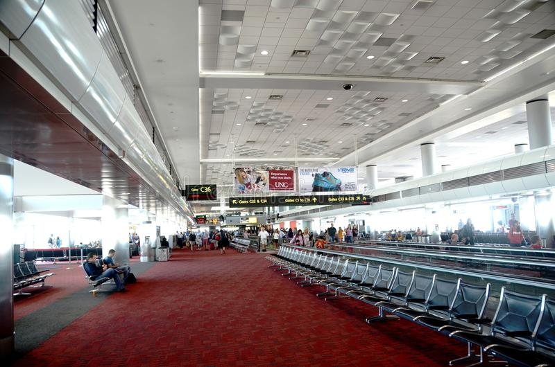 Innenraum des Denver-internationalen Flughafens stockfotografie