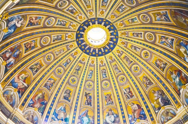 Innenraum des Heiligen Peter lizenzfreie stockfotografie