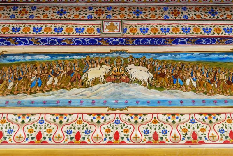 Innenraum des Jain Bhandasar Tempels oder Laxmi Nath Temples in Bikaner Indien lizenzfreie stockfotos
