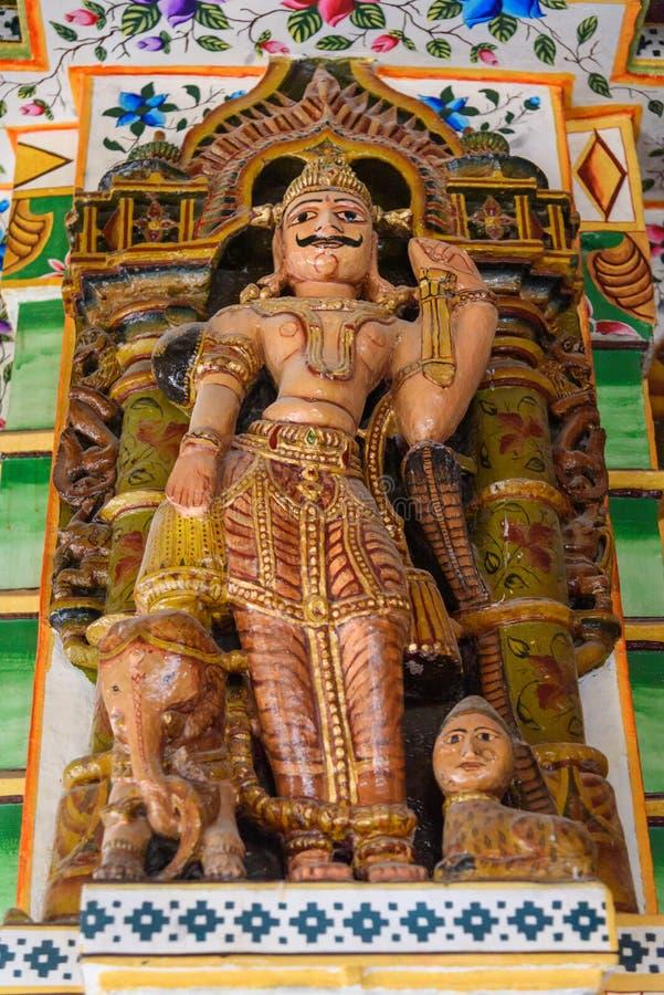 Innenraum des Jain Bhandasar Tempels oder Laxmi Nath Temples in Bikaner Indien stockfotografie