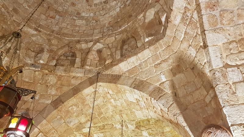Innenraum des Kreuzfahrerschlosses von Tripoli oder von Zitadelle von Raymond de Saint-Gilles, der Libanon lizenzfreies stockbild
