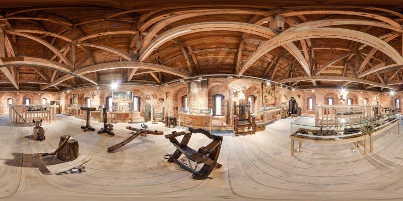 Innenraum des Museums der Folterung und der Folterungsinstrumente kugelförmiges Panorama 3D mit 360-Grad-Betrachtungswinkel Berei lizenzfreie stockfotos