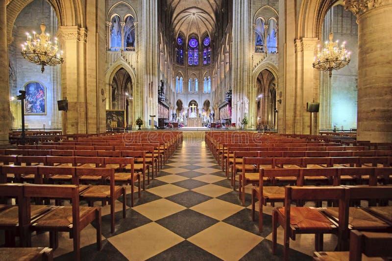 innenraum des notre dame de paris stockbild bild von basilica gotisch 66736741. Black Bedroom Furniture Sets. Home Design Ideas