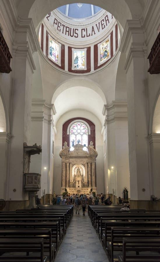 Innenraum des Parroquia San Pedro Claver lizenzfreie stockfotos