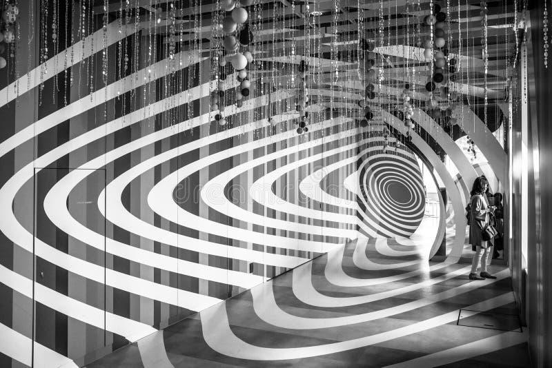 Innenraum des 60. Stocks des Sonnenscheinstadtwolkenkratzers in Ikebukuro, Japan lizenzfreie stockbilder