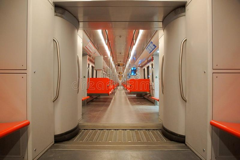 Innenraum des U-Bahnautos in Helsinki lizenzfreies stockfoto